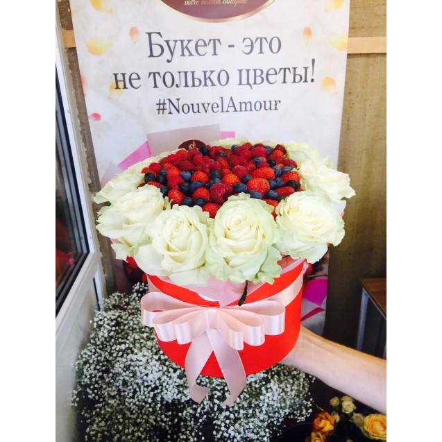 Коробка из роз white