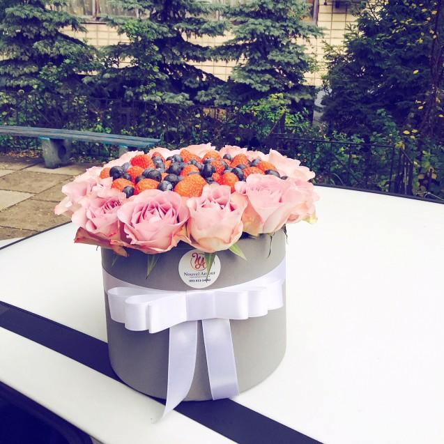 Коробка ягодная с розами Memory Lane